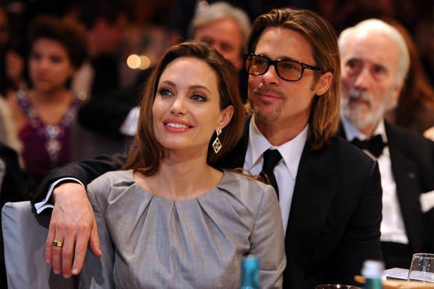 Angelina-Jolie-sexual-harassment-21-years-old-ex-husband-Brad-Pitt's-reaction-make-her-sad-02