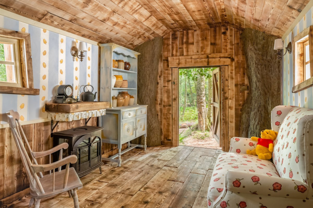Disney-&-Airbnb-made-a-real-Winnie-the-Pooh-house-to-rent-05