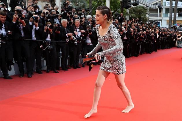 Kristen-Stewart-5-iconic-red-carpet-moments-4