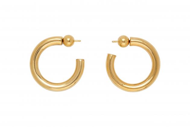 Nicole-Richie-said-hoop-earrings-are-the-everlasting-accessory-02