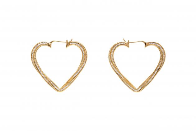 Nicole-Richie-said-hoop-earrings-are-the-everlasting-accessory-03