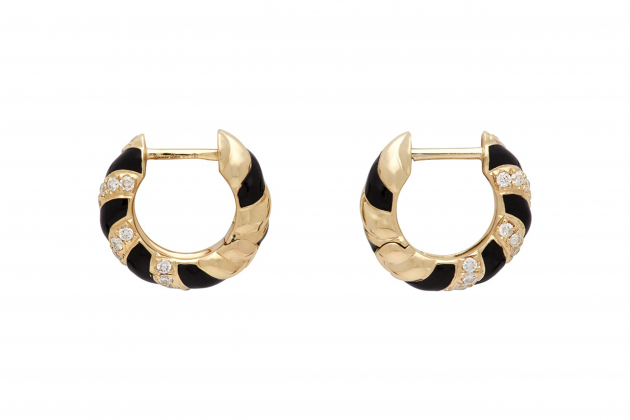 Nicole-Richie-said-hoop-earrings-are-the-everlasting-accessory-07