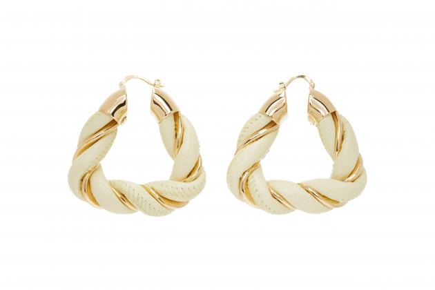 Nicole-Richie-said-hoop-earrings-are-the-everlasting-accessory-08